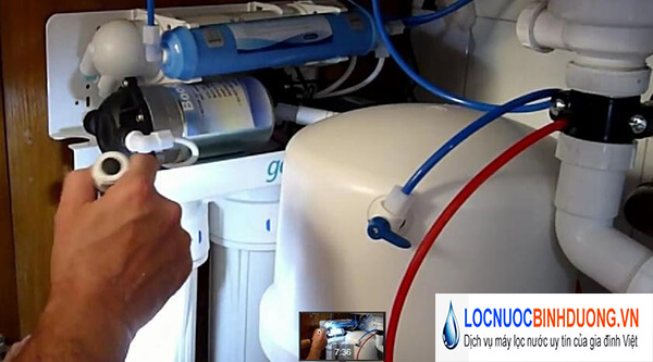 Nguyên nhân và cách xử lý máy lọc nước bị e khí