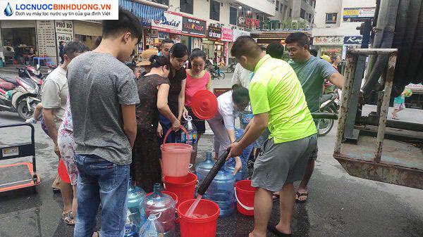 Tại sao người dân ngày càng đổ xô đi mua máy lọc nước?