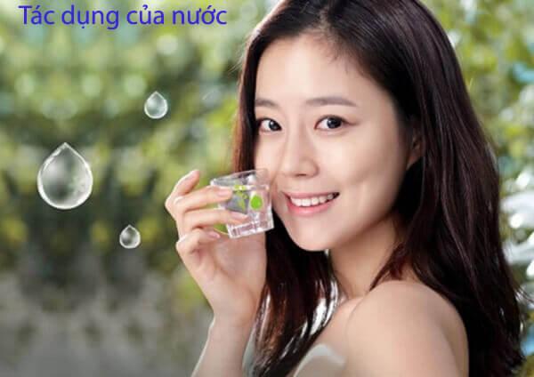 Tác dụng của nước đối với sức khỏe và sắc đẹp
